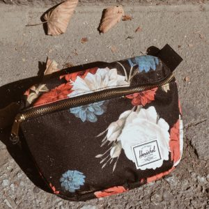 IN FLORAL PRINTS WE TRUST HERSCHEL